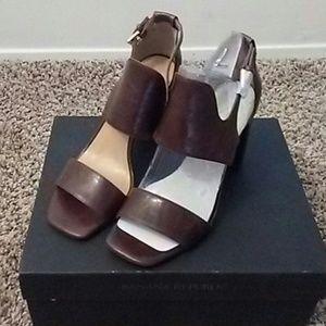 Heeled sandal .